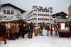 An den Samstagen im Dezember findet ein Weihnachtsmarkt mit vielen regionalen Köstlichkeiten und Kunsthandwerk statt