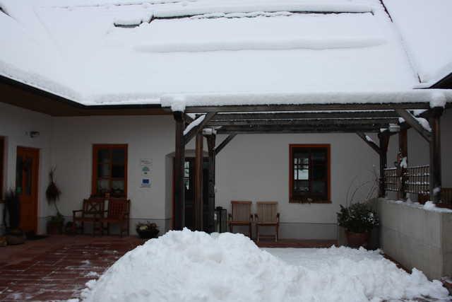 Innenhof bei Schnee
