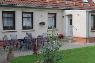 Ferienwohnung im Privathaus mit Garten  F 329