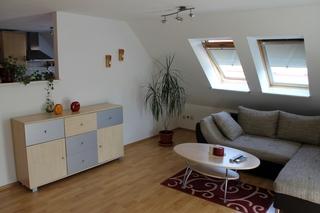 große, farbenfrohe, moderne 2-Raum-Ferienwohnung  F 898