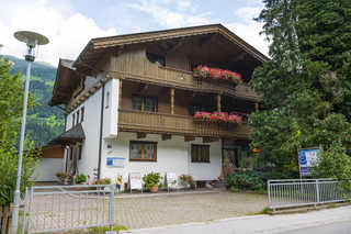 Hauser Holiday Apartments Aschau im Zillertal
